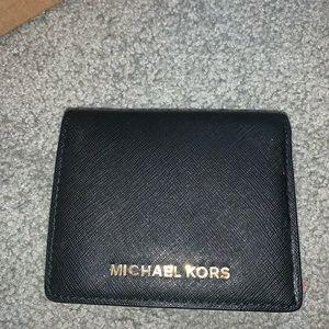black and white michael kors wallet